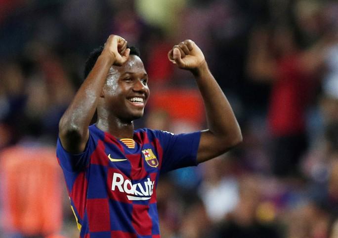Ra mắt sao 16 tuổi, Barcelona thắng trận cầu 7 bàn - Ảnh 6.
