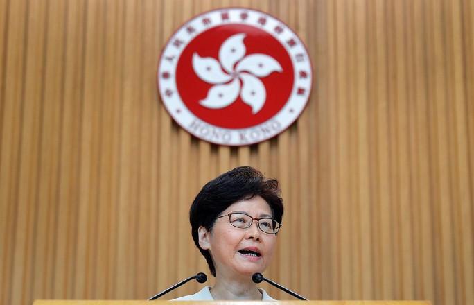 Hồng Kông leo thang khủng hoảng, lãnh đạo vẫn nói cứng - Ảnh 1.