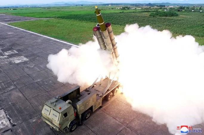 Triều Tiên muốn xuyên thủng lá chắn tên lửa Nhật Bản? - Ảnh 1.