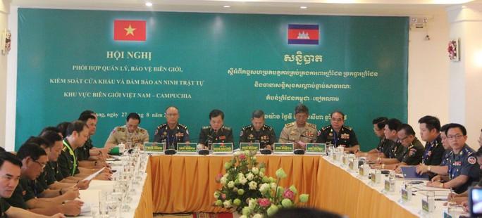 Hát vang bài ca hữu nghị Việt Nam đoàn kết Campuchia - Ảnh 1.