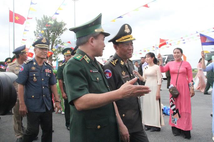 Hát vang bài ca hữu nghị Việt Nam đoàn kết Campuchia - Ảnh 5.