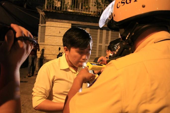 CSGT TP HCM xử phạt hơn 20.000 xe máy trong 1 tháng - Ảnh 2.