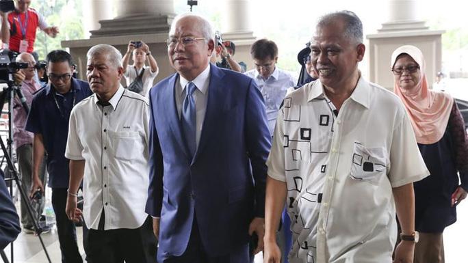 Cựu Thủ tướng Malaysia Najib Razak hầu toà - Ảnh 2.
