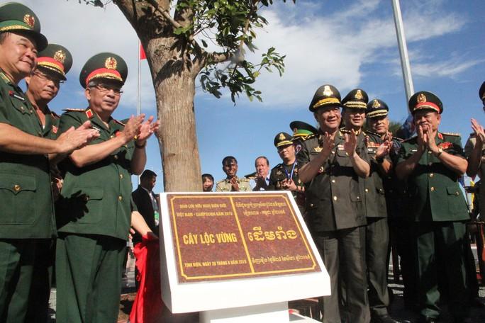 Trang trọng Lễ chào cột mốc chủ quyền biên giới Việt Nam - Campuchia - Ảnh 9.