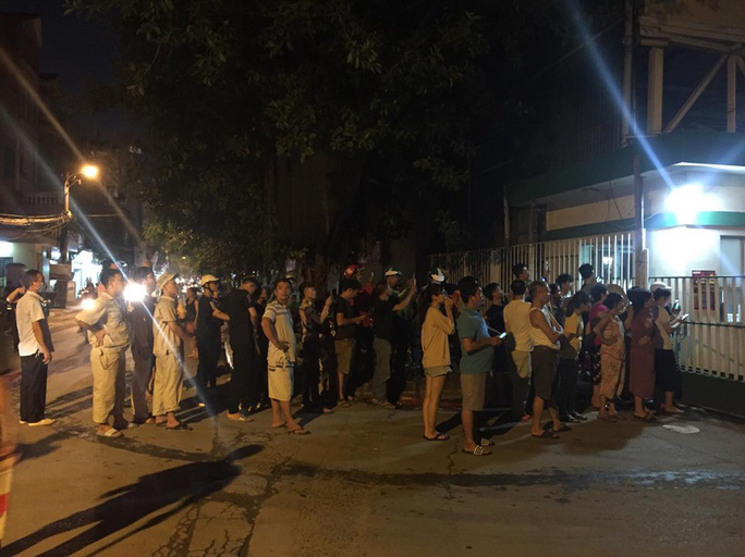 Cháy tại Công ty Rạng Đông: 10 nhà dân bị vạ lây - Ảnh 15.