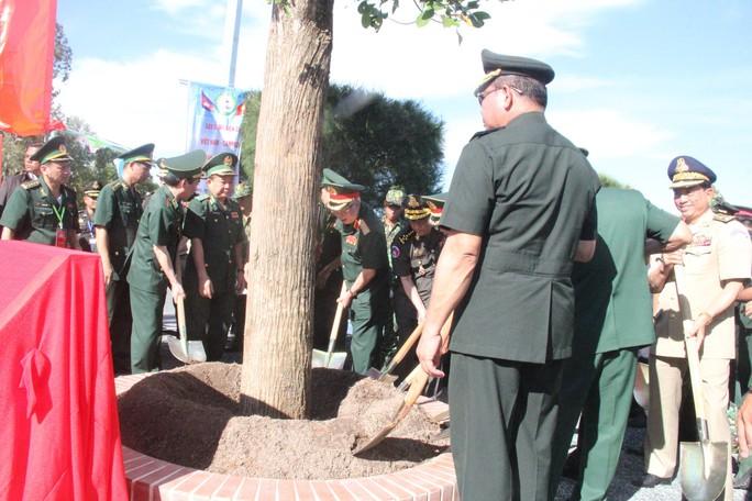 Trang trọng Lễ chào cột mốc chủ quyền biên giới Việt Nam - Campuchia - Ảnh 7.