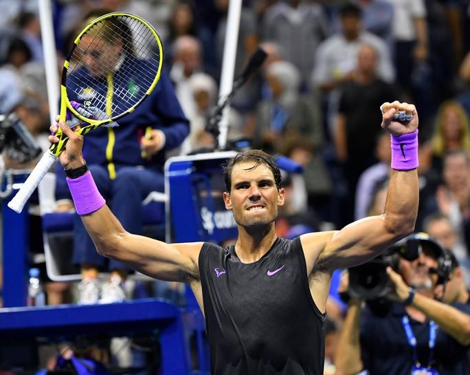 Nadal nhắn nhủ Federer, Djokovic bằng chiến thắng nhẹ ngày ra quân - Ảnh 4.