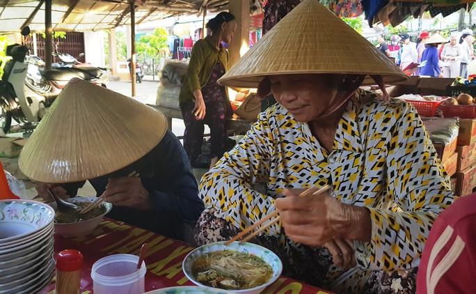 Độc đáo chợ ẩm thực 5.000 đồng - Ảnh 5.