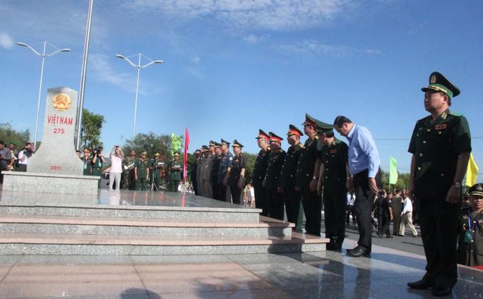 Trang trọng Lễ chào cột mốc chủ quyền biên giới Việt Nam - Campuchia - Ảnh 1.