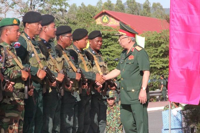 Trang trọng Lễ chào cột mốc chủ quyền biên giới Việt Nam - Campuchia - Ảnh 11.