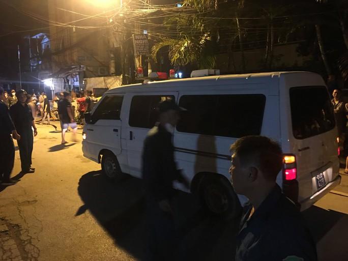 Cháy tại Công ty Rạng Đông: 10 nhà dân bị vạ lây - Ảnh 4.