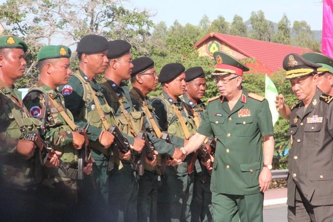 Trang trọng Lễ chào cột mốc chủ quyền biên giới Việt Nam - Campuchia - Ảnh 12.
