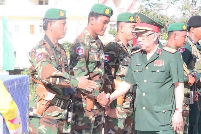 Trang trọng Lễ chào cột mốc chủ quyền biên giới Việt Nam - Campuchia - Ảnh 13.