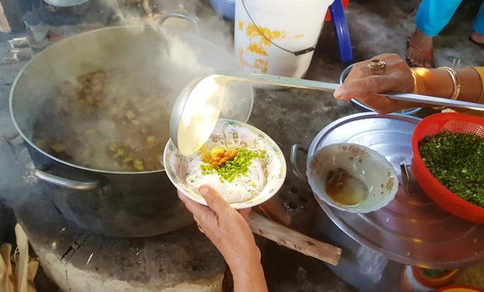 Độc đáo chợ ẩm thực 5.000 đồng - Ảnh 4.