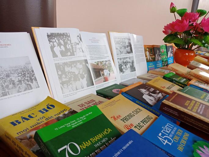 Thanh Hóa giới thiệu gần 2.000 hình ảnh, tư liệu quý về Bác Hồ - Ảnh 3.