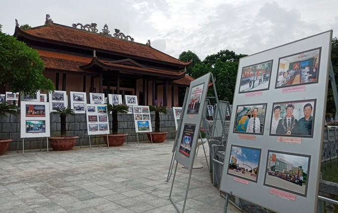 Thanh Hóa giới thiệu gần 2.000 hình ảnh, tư liệu quý về Bác Hồ - Ảnh 4.