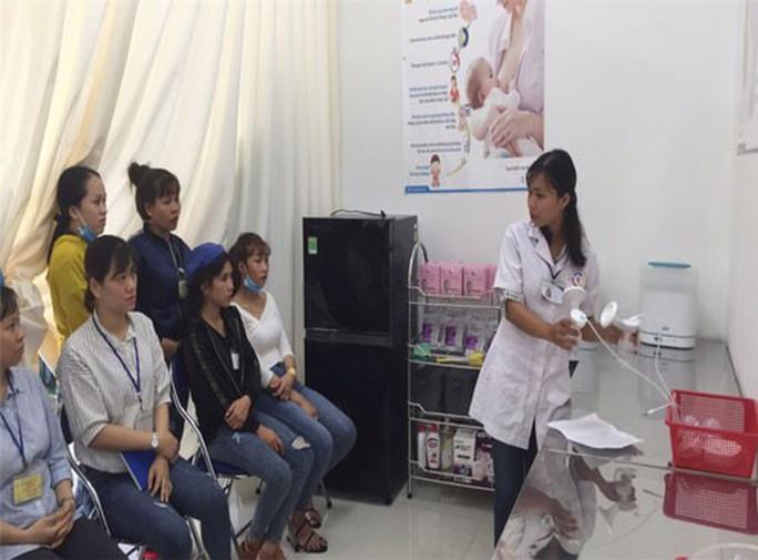 Bình Phước: Khánh thành phòng vắt, trữ sữa mẹ cho công nhân - Ảnh 1.