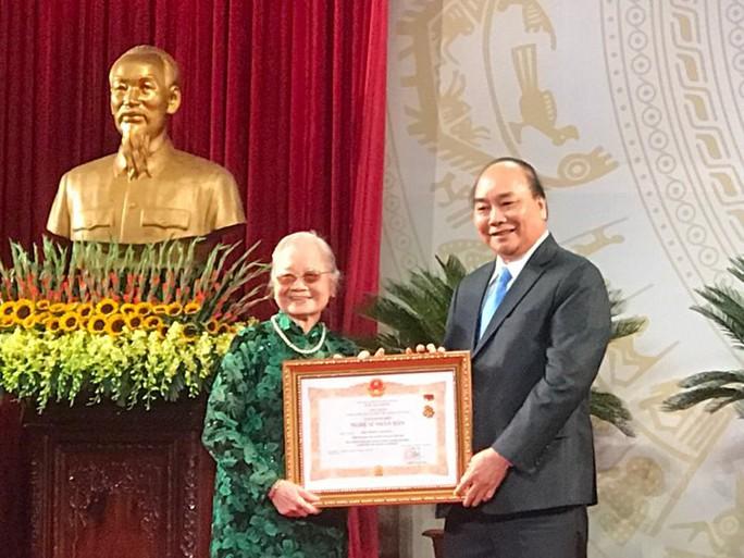 391 nghệ sĩ được trao tặng danh hiệu NSND, NSƯT - Ảnh 8.