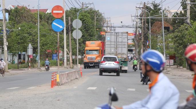 TP HCM kiến nghị cho làm đường, bãi đỗ xe dưới gầm cầu cạn các tuyến cao tốc - Ảnh 1.