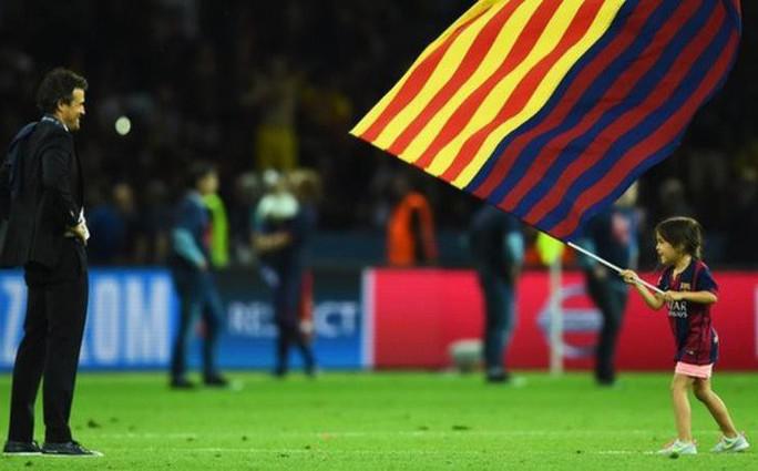Cựu HLV Barcelona Luis Enrique đau xót vì con gái 9 tuổi qua đời - Ảnh 1.