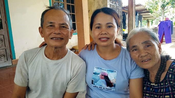 Ngày về đẫm nước mắt của 2 phụ nữ bị lừa bán sang Trung Quốc làm vợ - Ảnh 2.