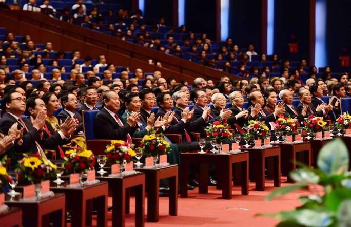 Tổng Bí thư, Chủ tịch nước có bài phát biểu cảm động tại Lễ Quốc gia 50 năm thực hiện Di chúc Bác Hồ - Ảnh 2.