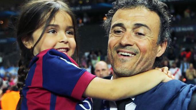 Cựu HLV Barcelona Luis Enrique đau xót vì con gái 9 tuổi qua đời - Ảnh 2.