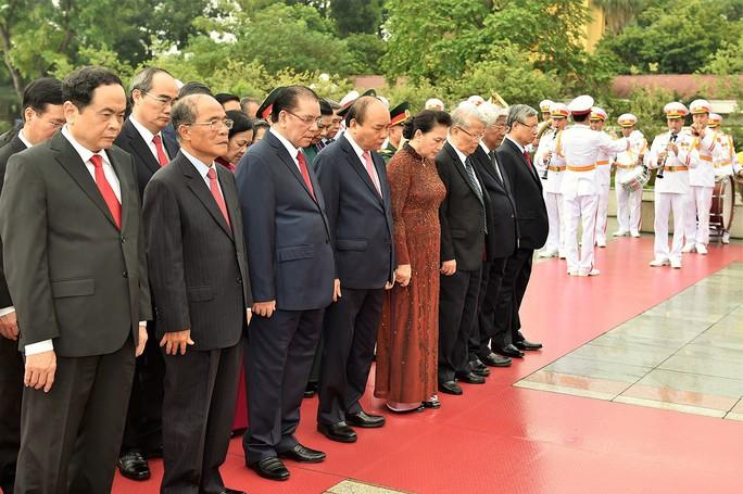 Tổng Bí thư, Chủ tịch nước có bài phát biểu cảm động tại Lễ Quốc gia 50 năm thực hiện Di chúc Bác Hồ - Ảnh 3.