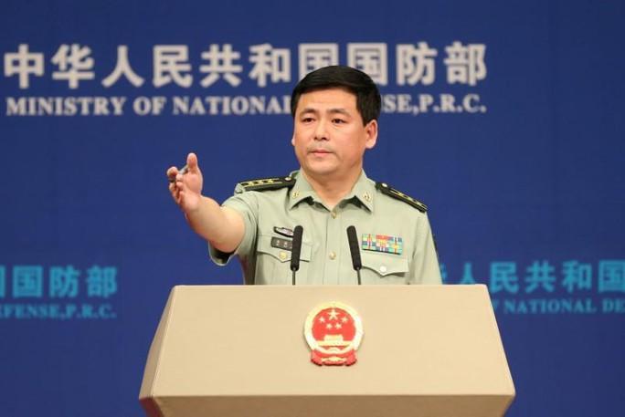 Điều chiến đấu cơ qua eo biển Đài Loan, Mỹ bị Trung Quốc răn đe - Ảnh 1.
