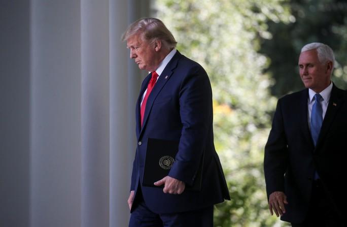 Ông Trump hủy chuyến đi Ba Lan vì... bão đe dọa - Ảnh 1.