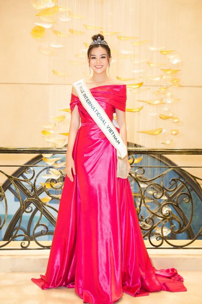 Soi diện mạo người đẹp Việt Nam dự thi Hoa hậu Quốc tế 2019 - Ảnh 1.