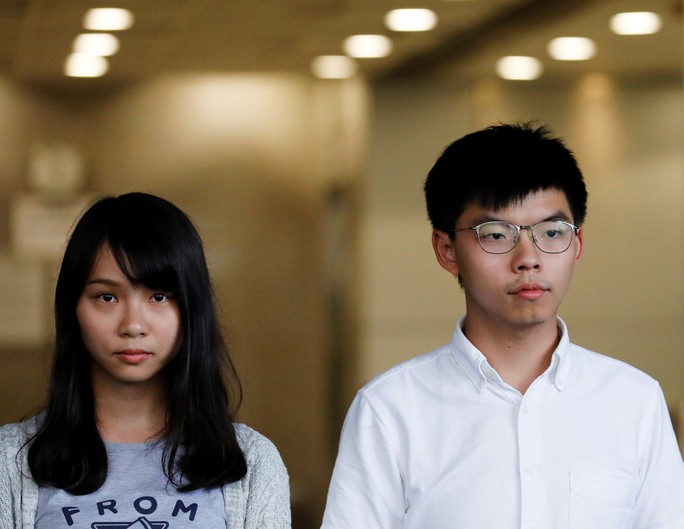 Hồng Kông siết chặt an ninh, người biểu tình thách thức cảnh sát - Ảnh 4.