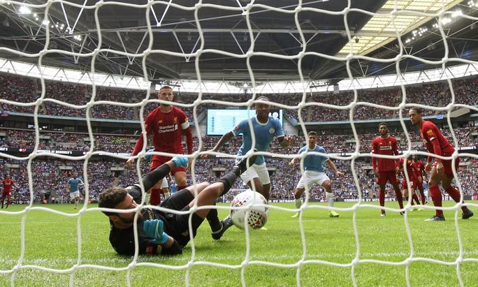 Thủ môn Bravo tỏa sáng, Man City bùng nổ ở Siêu cúp Anh - Ảnh 6.