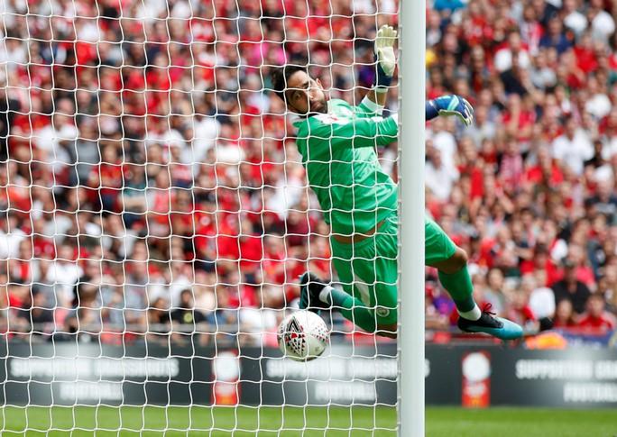 Thủ môn Bravo tỏa sáng, Man City bùng nổ ở Siêu cúp Anh - Ảnh 3.