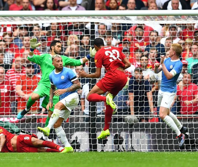 Thủ môn Bravo tỏa sáng, Man City bùng nổ ở Siêu cúp Anh - Ảnh 7.