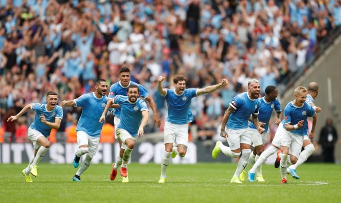 Thủ môn Bravo tỏa sáng, Man City bùng nổ ở Siêu cúp Anh - Ảnh 12.