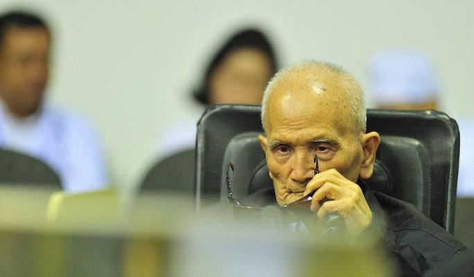 Campuchia: Cựu thủ lĩnh Khmer Đỏ Nuon Chea qua đời ở tuổi 93 - Ảnh 1.