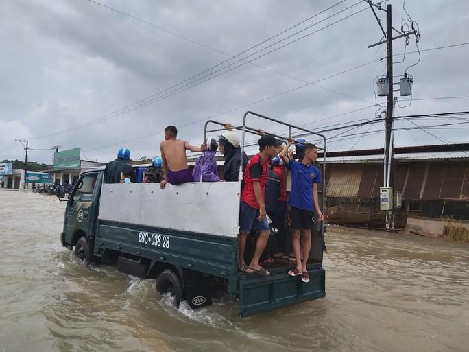 [Video] Phú Quốc ngập trong biển nước - Ảnh 5.