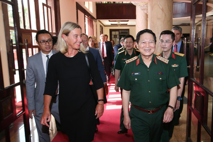 with defense minister - 02