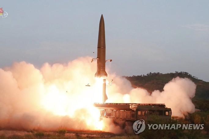 Triều Tiên phóng tên lửa lần thứ 4 trong vòng 2 tuần - Ảnh 1.