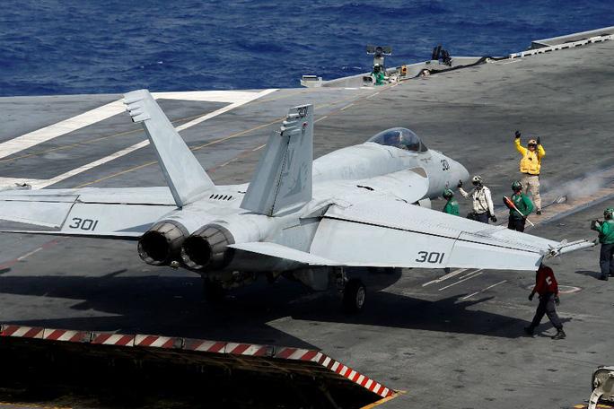 Tàu sân bay Mỹ vào biển Đông tuần tra - Ảnh 1.