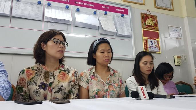 Xót xa cảnh phát hiện học sinh lớp 1 trường quốc tế ở Hà Nội cứng người trên ô tô - Ảnh 4.