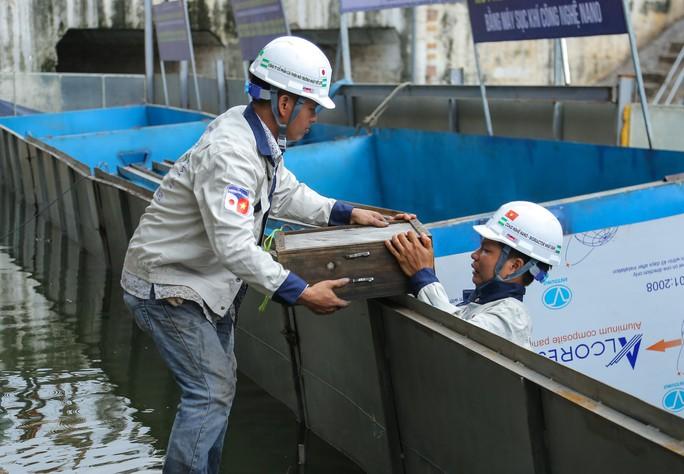 Chuyên gia Nhật Bản sẽ tắm nước sông Tô Lịch sau xử lý - Ảnh 7.