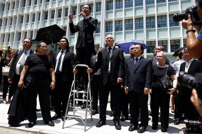 Hồng Kông đối mặt khủng hoảng tệ nhất từ năm 1997 - Ảnh 1.