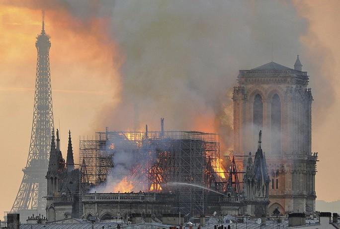 Dự án Trung Quốc thắng cuộc thi tái thiết Nhà thờ Đức Bà Paris - Ảnh 1.