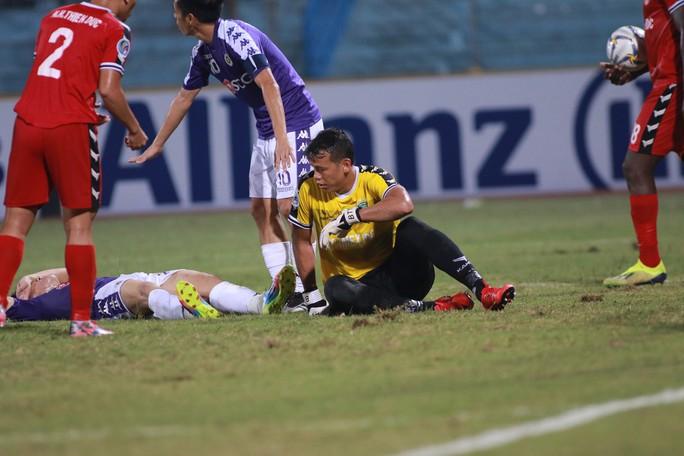 Người hâm mộ khuyên Tấn Trường nên giải nghệ sau sai lầm ở AFC Cup 2019 - Ảnh 2.