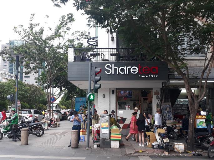 Cận cảnh cuộc rượt đuổi quanh phố đi bộ Nguyễn Huệ - Ảnh 12.