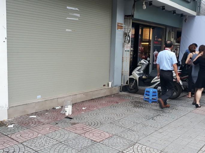 Cận cảnh cuộc rượt đuổi quanh phố đi bộ Nguyễn Huệ - Ảnh 9.