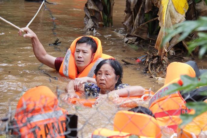 Đắk Lắk: Mưa lớn gây ngập hàng ngàn nhà dân, 1 người tử vong - Ảnh 5.