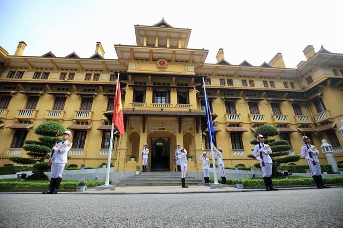 Lễ Thượng cờ ASEAN tại Hà Nội - Ảnh 4.